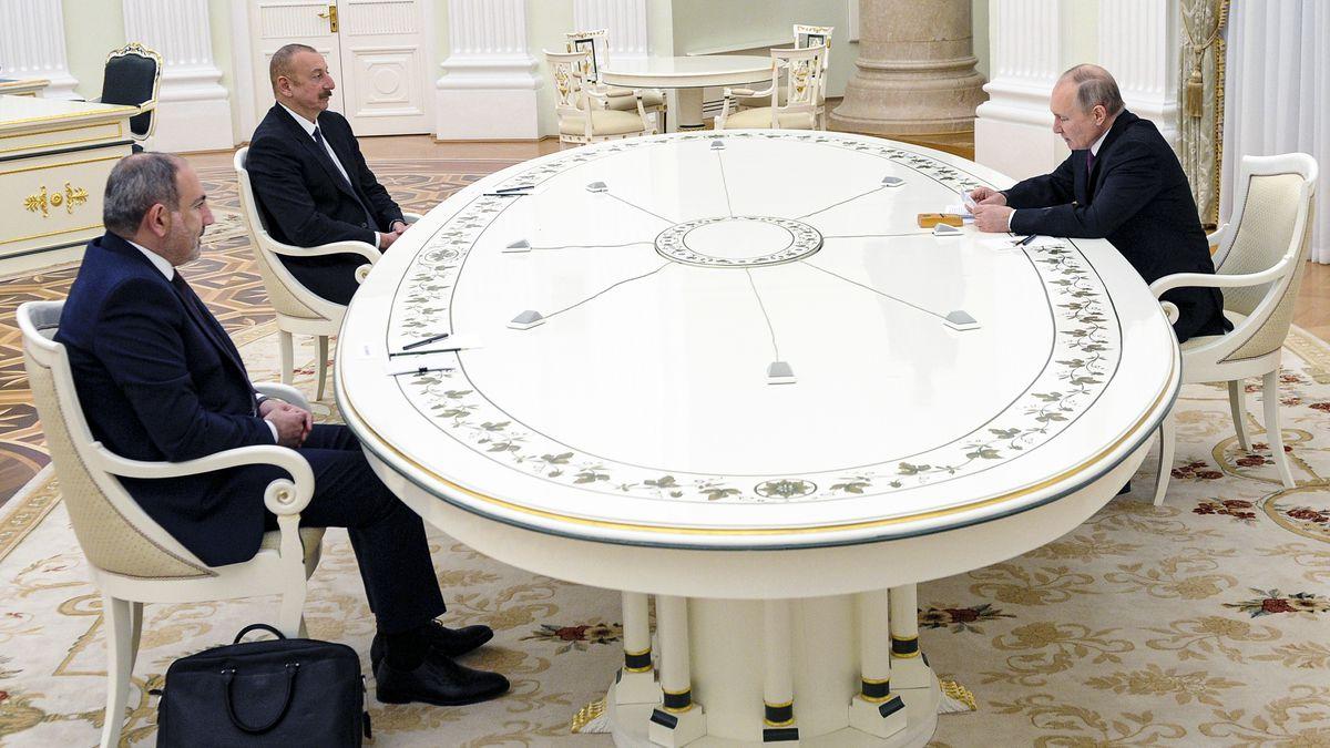 روسیه، ارمنستان و آذربایجان